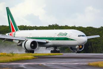 EI-ISB - Alitalia Boeing 777-200ER