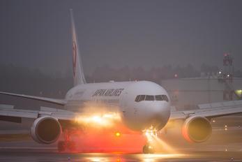 JA617J - JAL - Japan Airlines Boeing 767-300