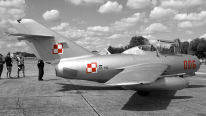 SP-YNZ - Polish Eagles Foundation PZL Lim-2 SB