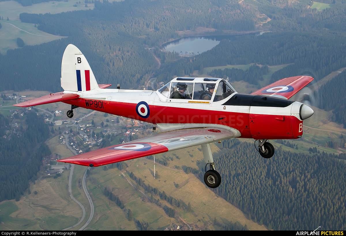 FAZQZ De Havilland Canada DHC1 Chipmunk De Havilland