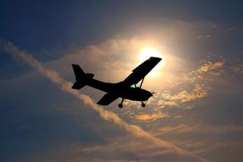 JA4117 - Hirata Gakuen Cessna 172 Skyhawk (all models except RG)