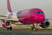 HA-LYB - Wizz Air Airbus A320 aircraft