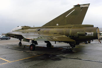 AT-155 - Private SAAB TF 35 Draken