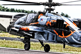 Q-17 - Netherlands - Air Force Boeing AH-64D Apache