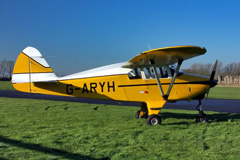 G-ARYH - Private Piper PA-22 Tri-Pacer