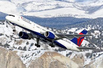 N681DA - Delta Air Lines Boeing 757-200