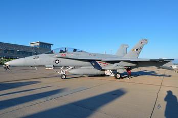 165802 - USA - Navy Boeing F/A-18F Super Hornet