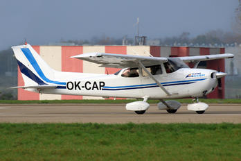 OK-CAP - Private Cessna 172 Skyhawk (all models except RG)