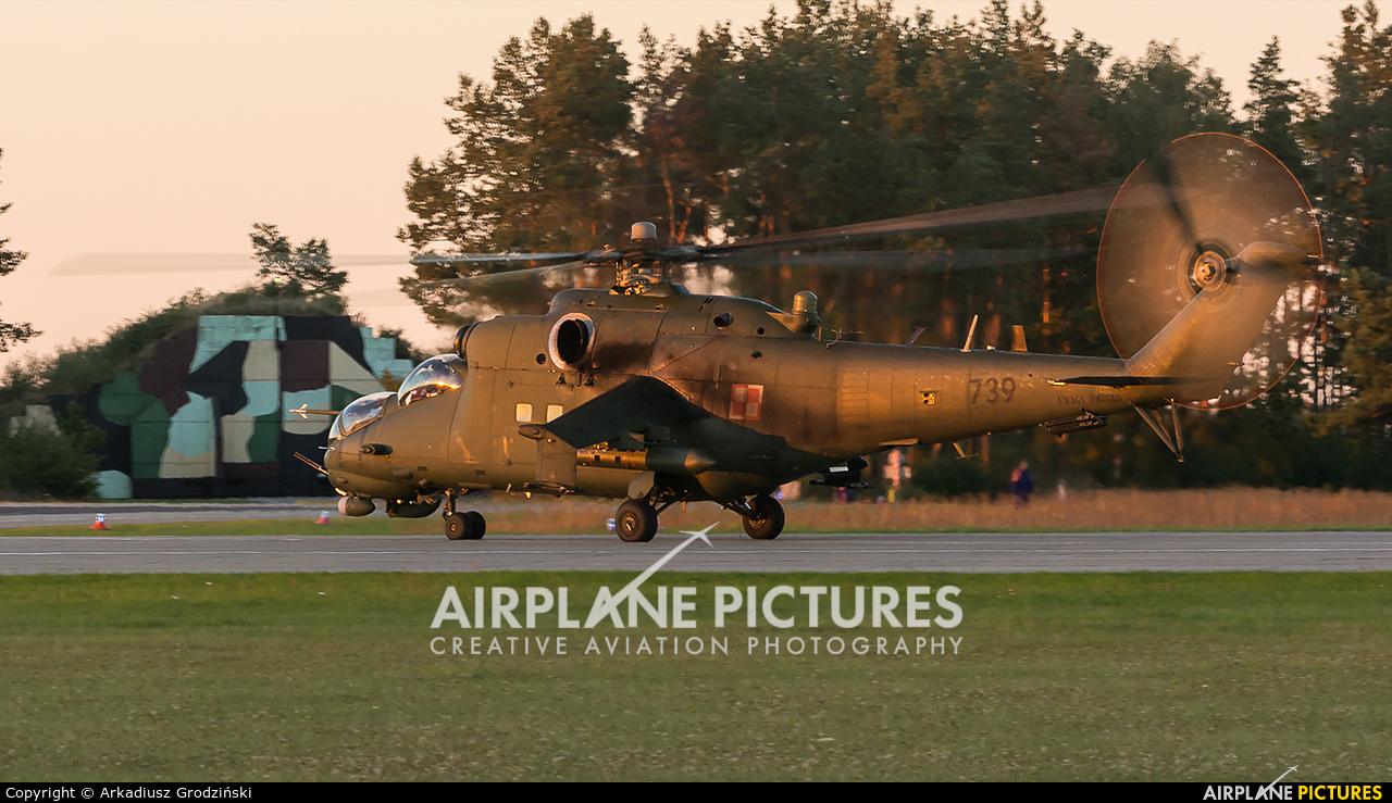 Poland - Army 739 aircraft at Świdwin