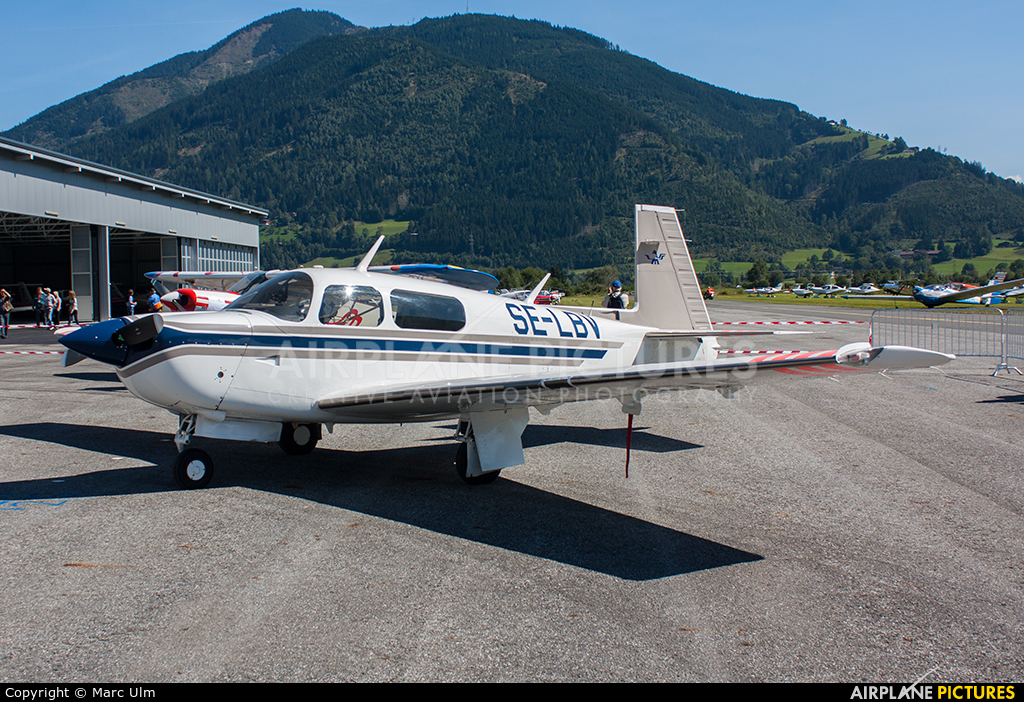 Private SE-LBV aircraft at Zell am See