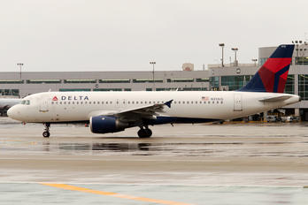N313US - Delta Air Lines Airbus A320