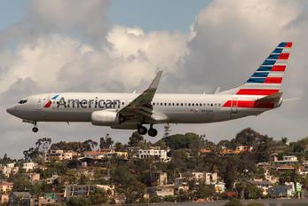 N942NN - American Airlines Boeing 737-800