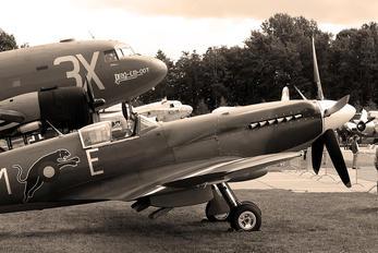 F-AZJS - Private Supermarine Spitfire PR.XIX
