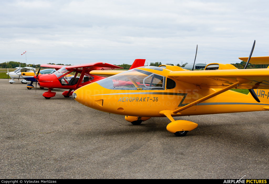 Private UR-PAPE aircraft at Aleksotas - S. Dariaus and S. Gireno