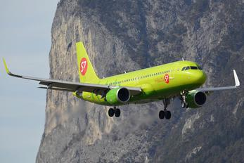 VP-BOG - S7 Airlines Airbus A320