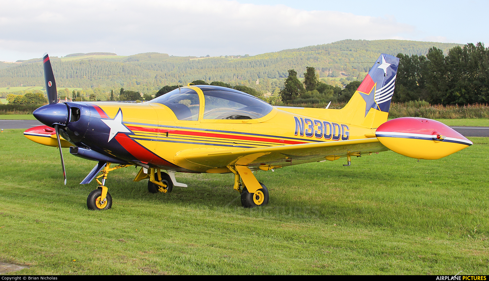 Private N330DG aircraft at Welshpool