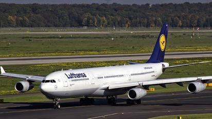 D-AIGT - Lufthansa Airbus A340-300