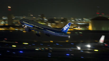 JA704A - ANA - All Nippon Airways Boeing 777-200