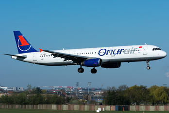 TC-OBV - Onur Air Airbus A321