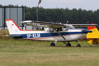 SP-KLM - Private Cessna 172 Skyhawk (all models except RG)