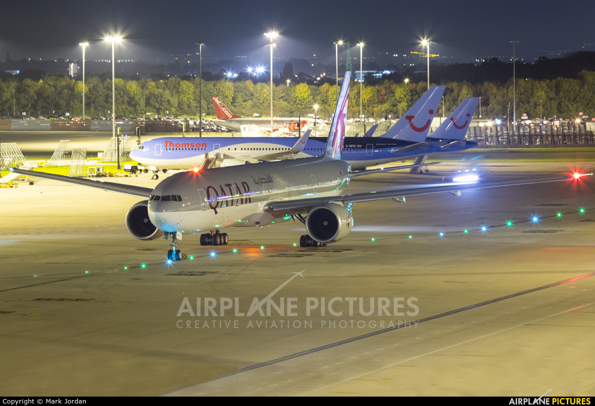 Qatar Airways A7-BAH aircraft at Manchester