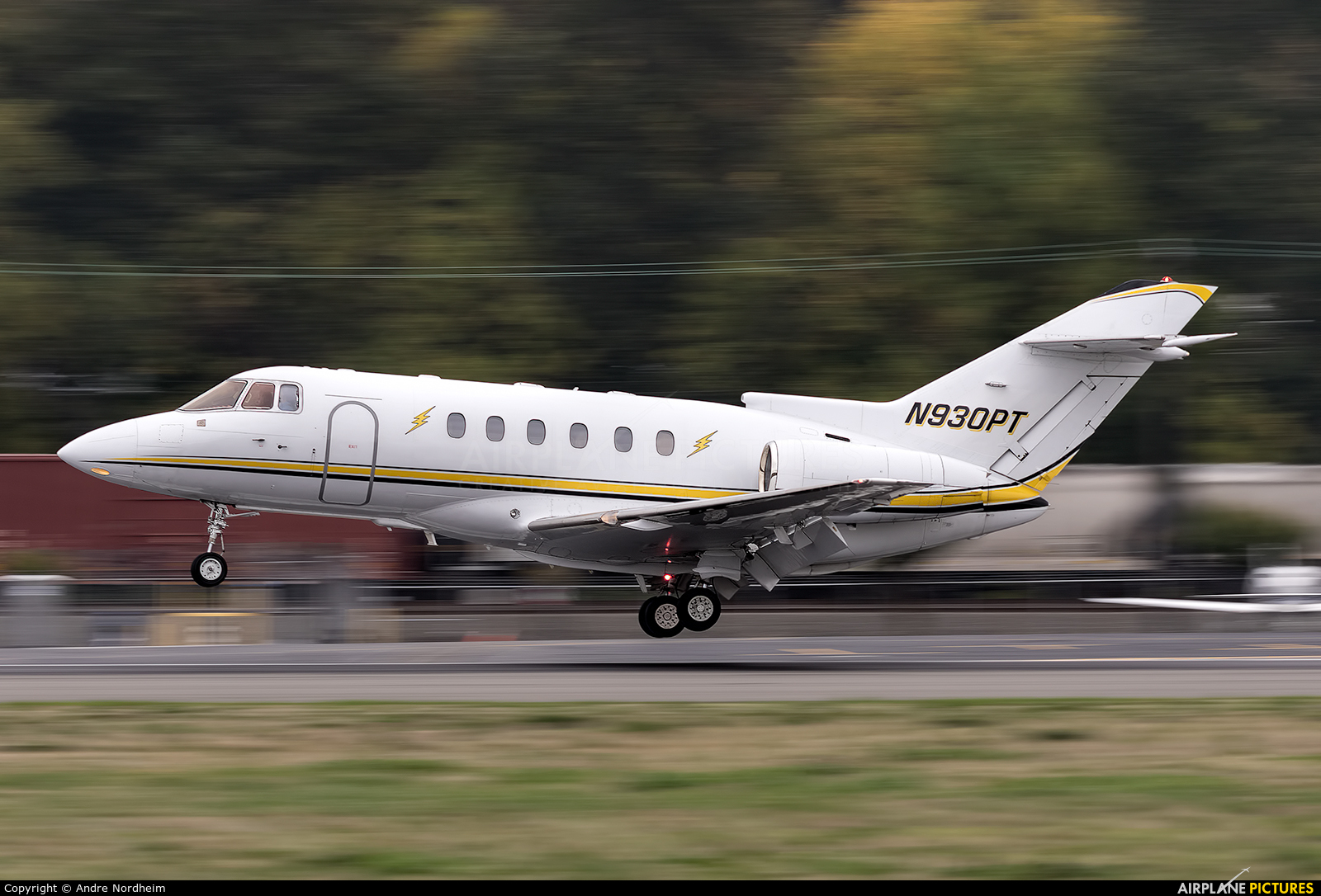 Clay Lacy Aviation N930PT aircraft at Seattle - Boeing Field / King County Intl