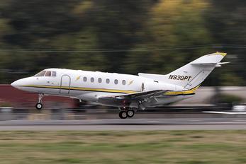 N930PT - Clay Lacy Aviation Raytheon Hawker 800XP