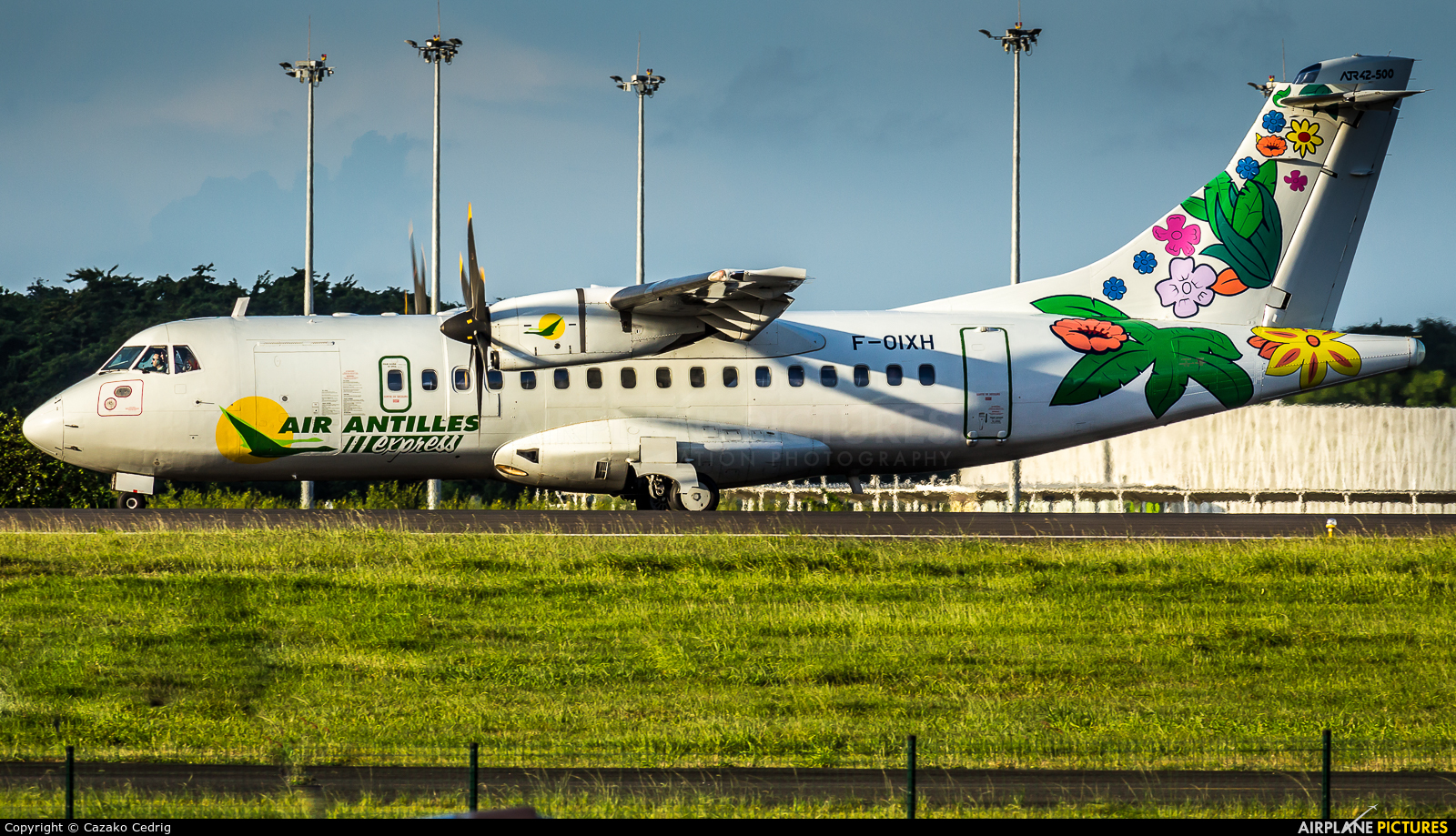 Air Antilles Express F-OIXH aircraft at Guadeloupe - Pointe-à-Pitre