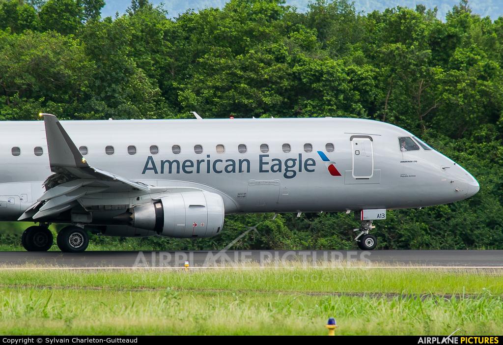 American Eagle N413YX aircraft at Martinique - Aimé Césaire
