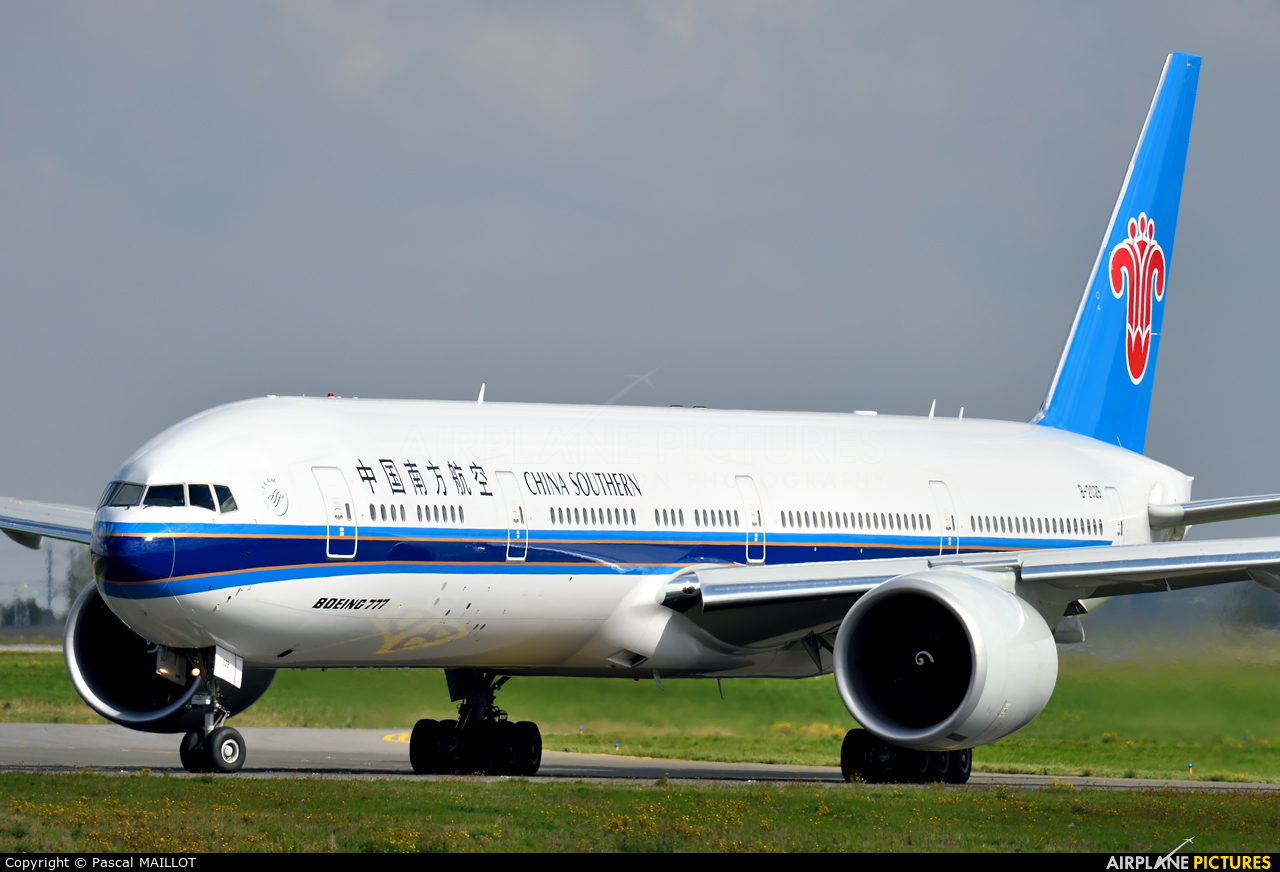 B-2029 - China Southern Airlines Boeing 777-300ER at Paris ...