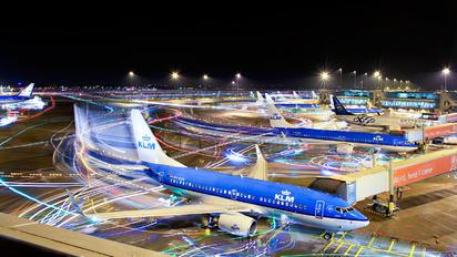 PH-BGD - KLM Boeing 737-700