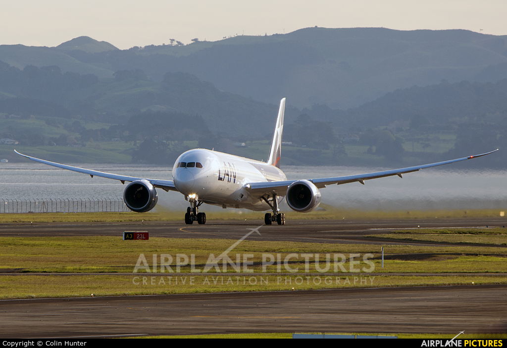 LAN Airlines CC-BGE aircraft at Auckland Intl