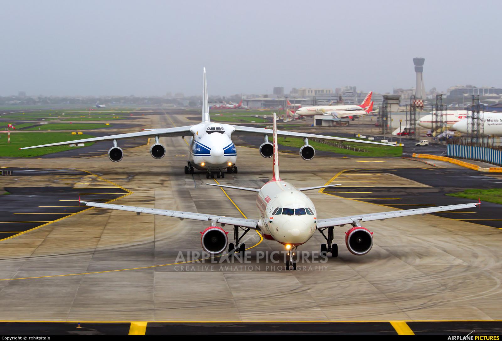 Air India VT-EDF aircraft at Mumbai - Chhatrapati Shivaji Intl