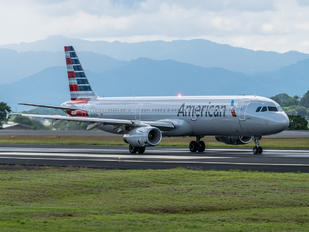 N585UW - American Airlines Airbus A321