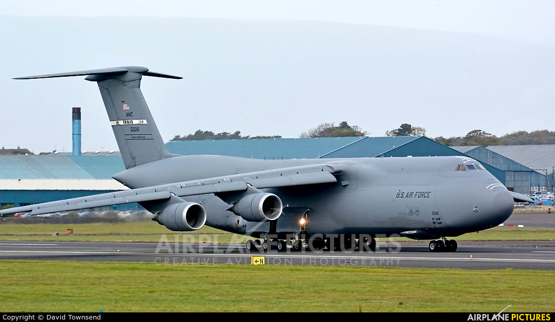 USA - Air Force 85-0010 aircraft at Prestwick