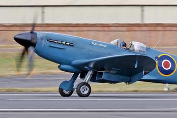 PS853 - Rolls Royce Supermarine Spitfire PR.XIX