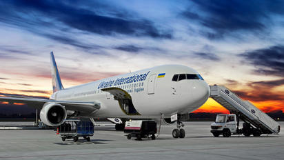 UR-GED - Ukraine International Airlines Boeing 767-300ER