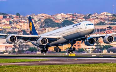 D-AIHE - Lufthansa Airbus A340-600