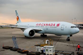 C-FIUJ - Air Canada Boeing 777-200LR