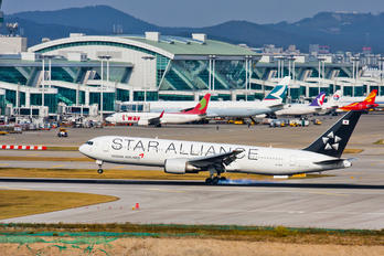 HL7516 - Asiana Airlines Boeing 767-300