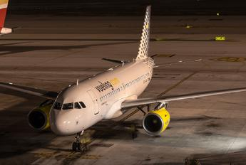 EC-JXV - Vueling Airlines Airbus A319