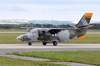 1525 - Czech - Air Force LET L-410FG Turbolet