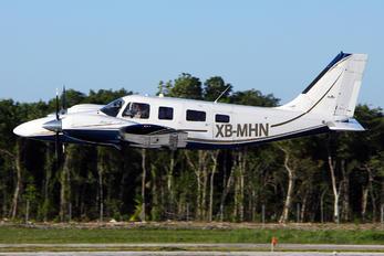 XB-MHN - Private Piper PA-34 Seneca