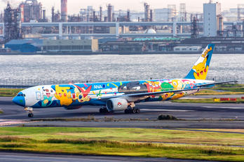 JA754A - ANA - All Nippon Airways Boeing 777-300