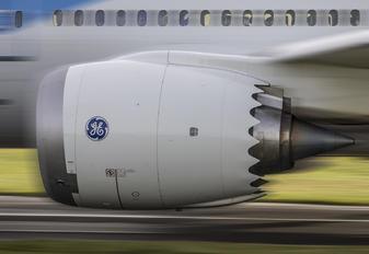 G-TUIH - Thomson/Thomsonfly Boeing 787-8 Dreamliner