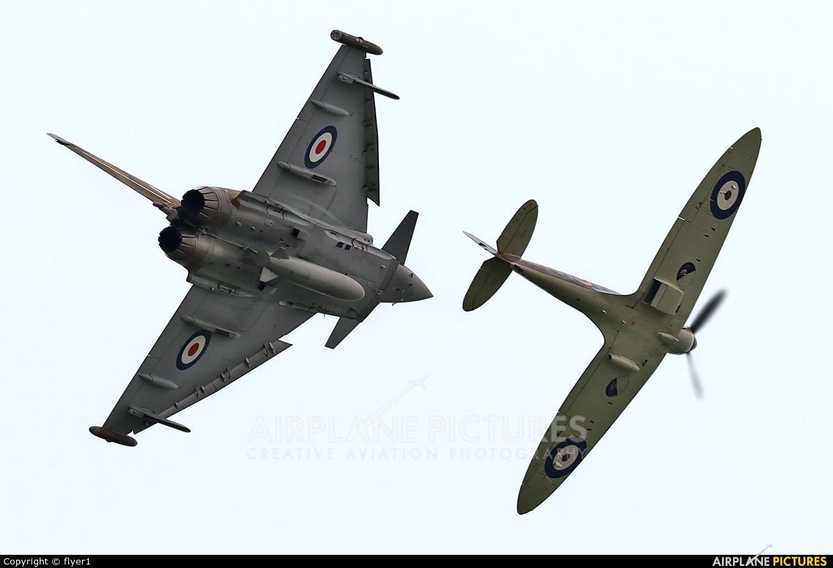 Royal Air Force ZK349 aircraft at Dunsfold
