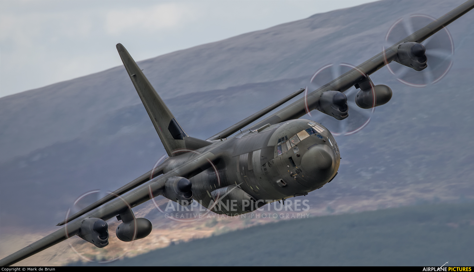 ZH878 - Royal Air Force Lockheed Hercules C 4 at Cad West