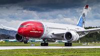 #2 Norwegian Long Haul Boeing 787-8 Dreamliner EI-LNE taken by Alexander M. Ellingsen