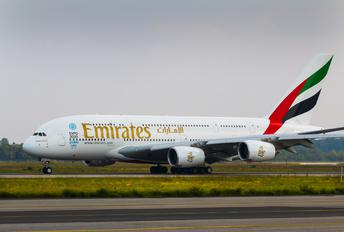 A6 EOI - Emirates Airlines Airbus A380