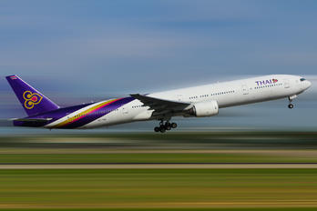HS-TKA - Thai Airways Boeing 777-300